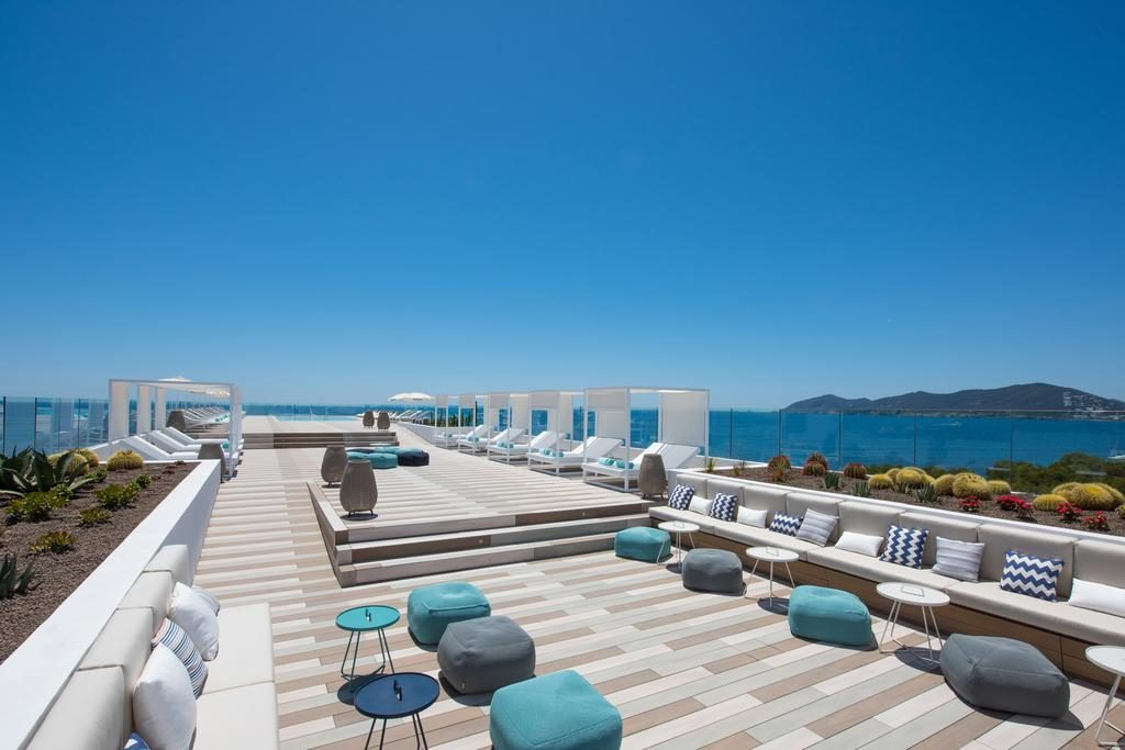 Iberostar Santa Eulalia Adults Only Ibiza terras
